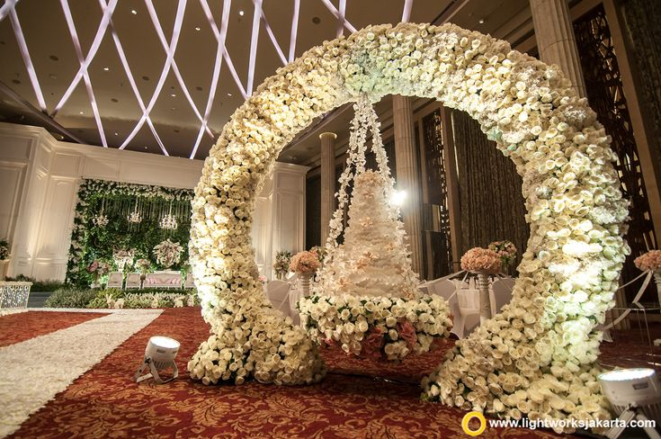 272 best wedding decoration and lighting images on pinterest the hanging cake for christian and felicia wedding reception at bali room hotel indonesia kempinski jakarta junglespirit Choice Image