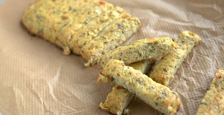 Lookbrood zonder graan en gluten? Bloemkool is de oplossing! Maak eerst bloemkoolrijst en daarna bloemkooldeeg. Het is paleo en laag in koolhydraten.