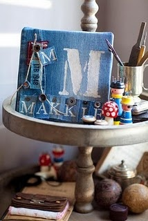 "idea like this for cute ""makeup"" table/sign?"