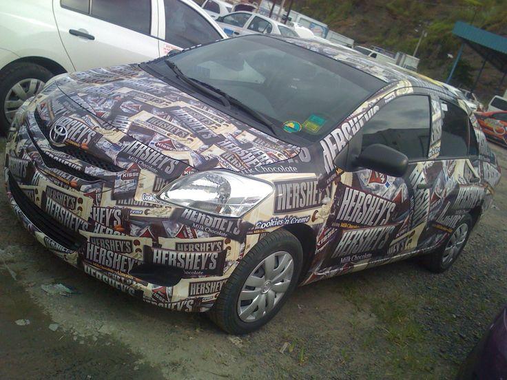 Rotulación completa para toyota yaris sedan con impresión digital full color. . Panamá. Teléfono (507) 239-1205 Correo: cnmpyd@gmail.com