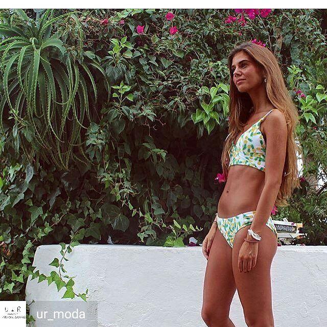 ❤@ur_moda - Solo hoy llevate nuestro bikini de piñas con un 21% de descuento con el cupon: iva21 www.urmoda.es #blogger #instablogger #fashion #trendy #trend #style #outfit #look #moda #ropa #bikini #style #musthave #fashionable #Regrann Etiqueta tu...