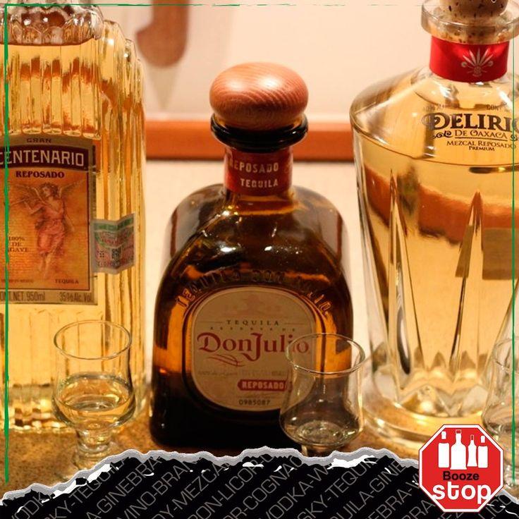 El tequila sólo puede ser llamado 'tequila' si se hace de la planta de agave azul encontrada principalmente en la región de Jalisco. El licor hecho de cualquier otro tipo de agave es conocido como mezcal. También se lo puede encontrar de diversos grados de suavidad. En Booze Stop Condesa tenemos los mejores tequilas y a los mejores precios.