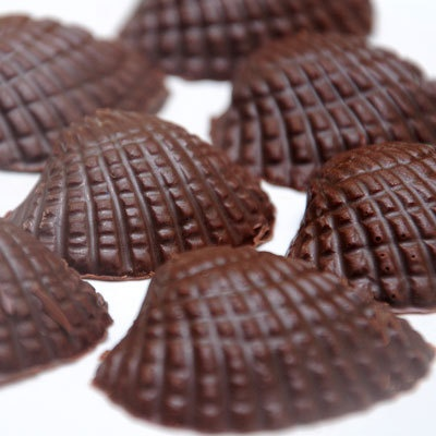 100 gms of Handmade Chocolate made with all the love, for JUST Rs. 85! Drooooool!