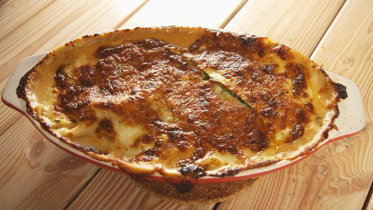 Fiskelasagne med torsk og rejer. Lækker opskrift fra Jesper Vollmer i Spis og Spar.  Lasagne uden kød smager godt.