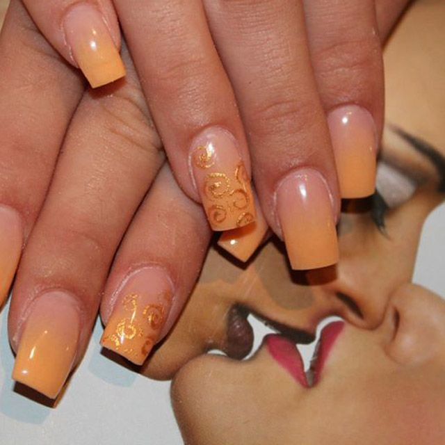17 Creative Bombastic Nails Design