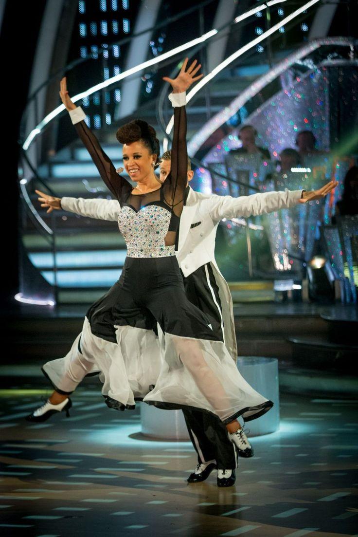 WEEK 4 - Natalie & Artem danced QuickStep to 'Yeah!' by Usher  Score - (9-9-8-9) = 35