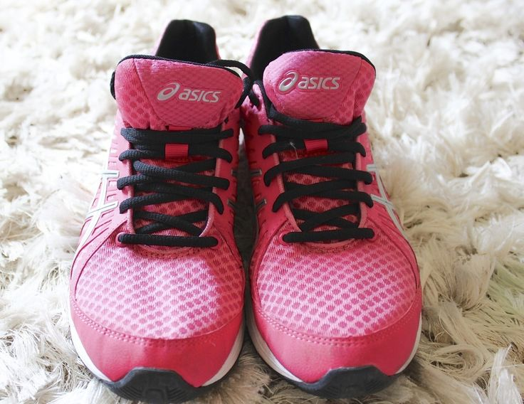 Asics running shoe* in Hot Pink TRAINERS WWW.DRESSMEPERFECT.COM #FASHION