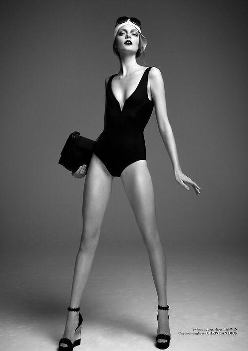 Fashion model pose idea, black & white fashion photography // Ph. Bojana Tatarska for Glass Magazine