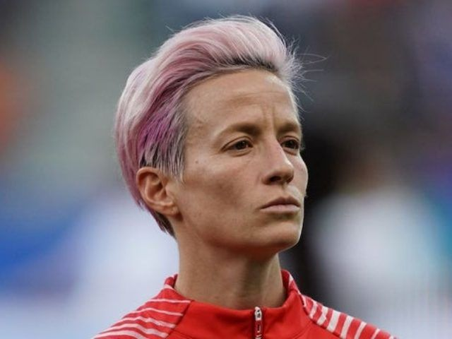 U S Women S Soccer Captain Megan Rapinoe Refuses To Sing National Anthem During World Cup Megan Rapinoe Soccer Stars Usa Soccer