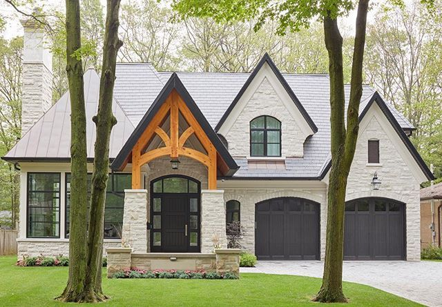 A Mix Of Traditional Massing And Modern Execution This Family Home In Mississauga Blends Larg Brick Exterior House House Exterior House Architecture Design