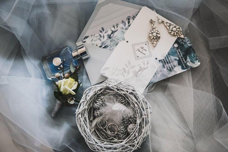 Свадебные приглашения с индивидуальным дизайном. Печать на лайнере, контурная резка и безграничный стиль. Пригласительные, приглашения, приглашение, свадьба, свадебные,  полиграфия, свадебная, оформление, праздник, торжество, конверты, карточки, тиснение, золото, шелковые, weddywood, wedding, invitations, билет, самолет, контурная, Свадебные идеи 2017, популярные цвета