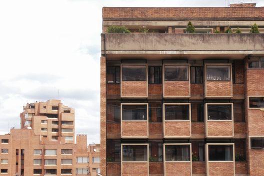 Edificio Giraldo / Fernando Martínez Sanabria