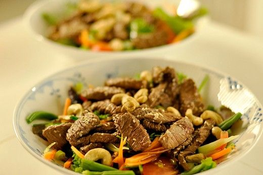 Thai-style salat med oksekød - Pigen & Pomfritten