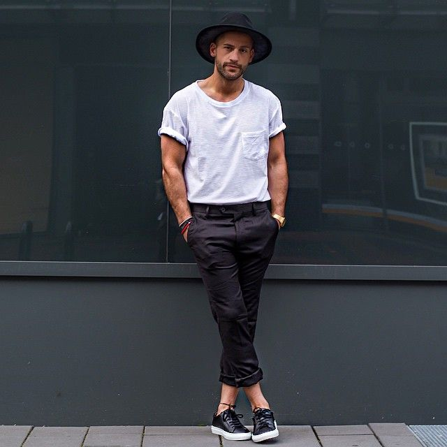 This is how you should wear your white crew neck tee   #mensfashion
