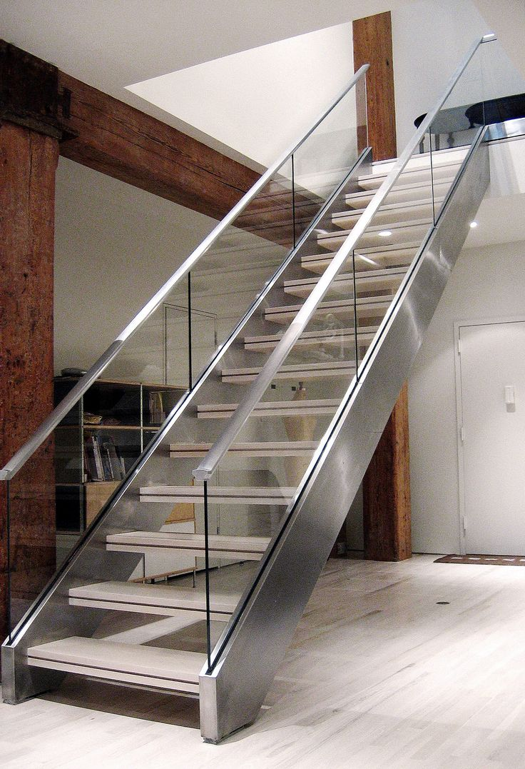 Superb Stainless Stringer, Wood And Glass Railing