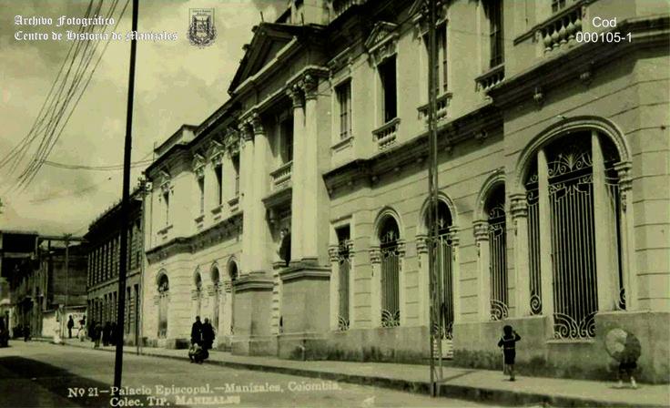 Fachada del Palacio Arzobispal de Manizales, 1930.