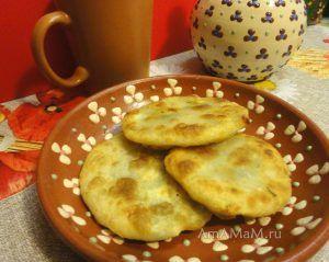 Китайские лепешки с зеленым луком, сыром сулугуни, чесноком - рецепты с фото