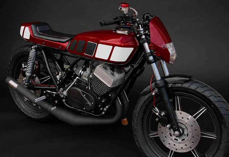 Amazing Yamaha RD400 by Rusty Bolt Garage for sale #caferacerforsale #caferacer #yamaha #rd400
