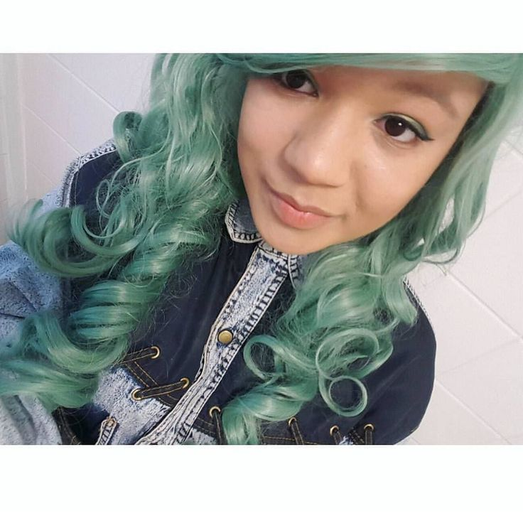 @iceiceboobie Looking lush  Lush Wigs - Green Revolution  #lushwigsgreenrevolution #lushwigs #wig #gorgeous #alternativehair Lushwigs.com