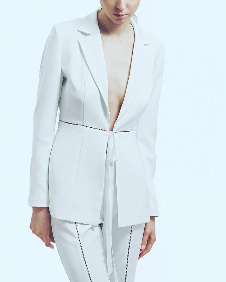 💎💎💎 C L A S S Y 💎💎💎 #White #Suit Available at #Maison #Raquette and online on #moleculef ✔ #maisonraquette #raquetteSS16 #whitesuit #ribbon #moleculef #raquette #classy