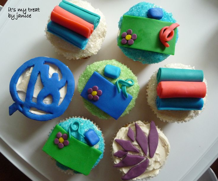 yoga-inspired cupcakes