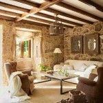 rustik oturma odasi dekorasyonu ahsap kaplamalar tas duvarlar rustik desenler kiris tavan aksesuarlar (8)