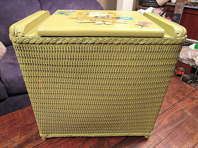 Vintage 1940 S 1950 S Green Wicker Wood Laundry Hamper Clothes