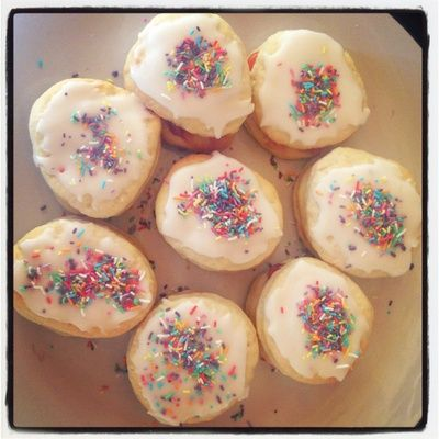 These biscuits are delicious! Not only do they make your taste buds love you, they are very healthy, insanely cheap and easy to make and best of all they are cruelty free!