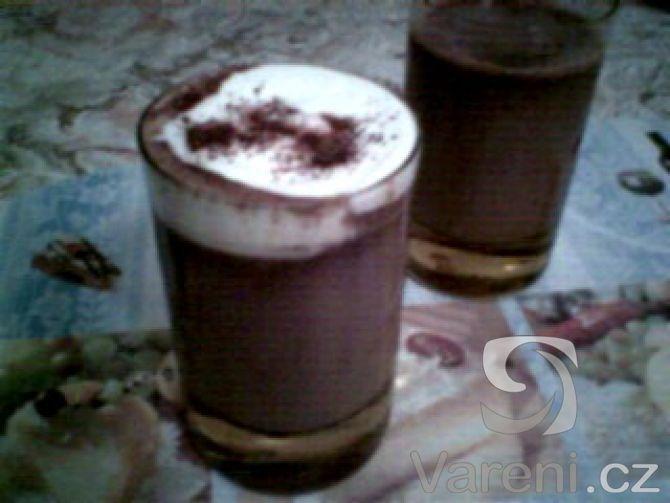 Čokoládovo-jogurtový nápoj