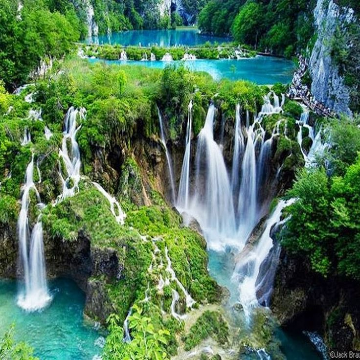 Parc national des lacs de Plitvice, Croatie                                                                                                                                                                                 Plus