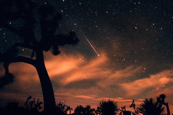 Leonid meteor shower