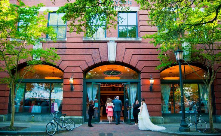 Find Robert Bryson Hall Wedding Venue , one of best Cheap Wedding Venues In Ga