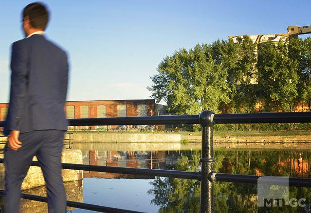 Griffintown-homme-affaire-canal-lachine