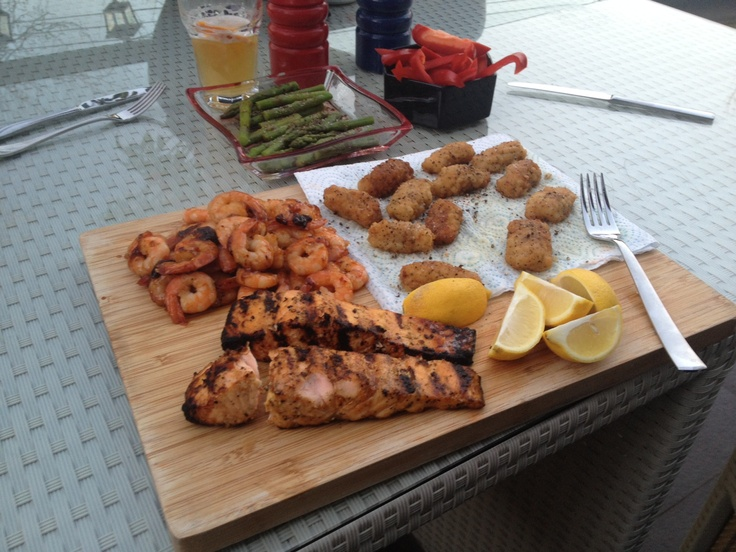Seafood platter with some veggies - I cooked the salmon on a bbq :)