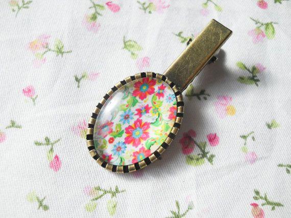 Vintage Flower Hair Clip, Retro Hair Clip, Antique Bronze Hair Clip, Pretty Hair Clip, 60s Flowers, Gift for Women, Bright Flowers