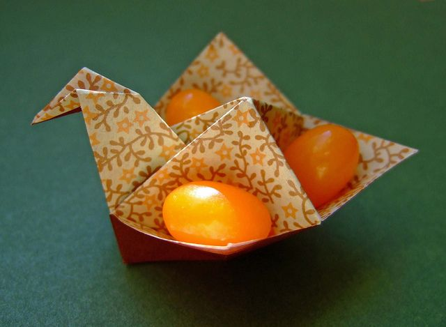 origami happy easter bird - frohe ostern by evi binzinger, via Flickr