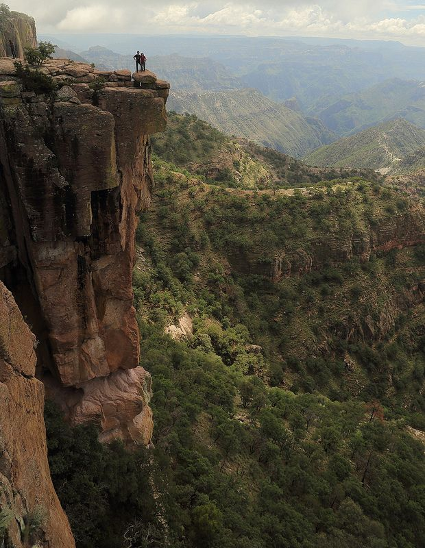 Barrancas del Cobre (Copper Canyon) in Chihuahua, Mexico. What a breathtaking site!