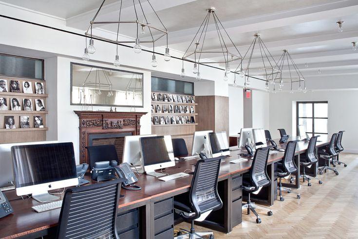 Jasa desain interior kantor sangatlah dibutuhkan oleh sebuah perusahaan untuk menciptakan ruang kerja yang nyaman bagi para karyawannya.  #jasainterior #interiorkantor #kontraktorkantor