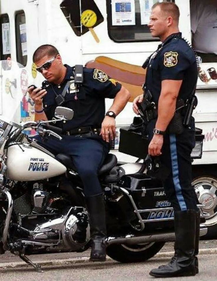 dating a guy in law enforcement Best police dating site we are the best police officers dating site on the web find men and women who uphold the law in cities and towns all across this great nation of ours.