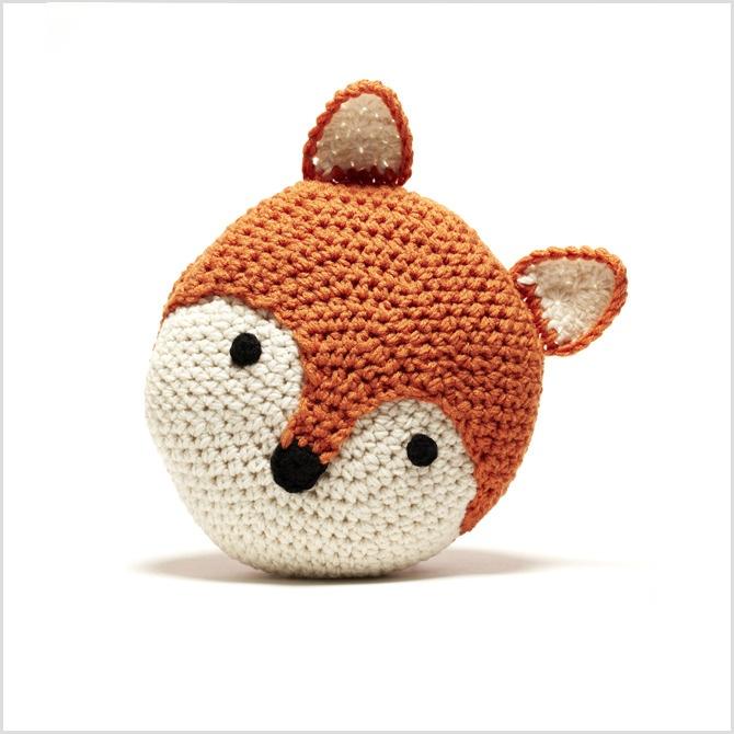 Crochet fox pillow by Peanut Butter Dynamite