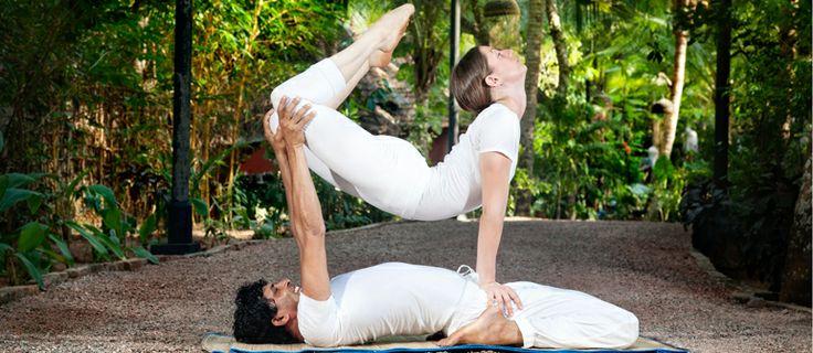 Acroyoga, una disciplina que combina yoga con acrobacias - ¡Siéntete Guapa!