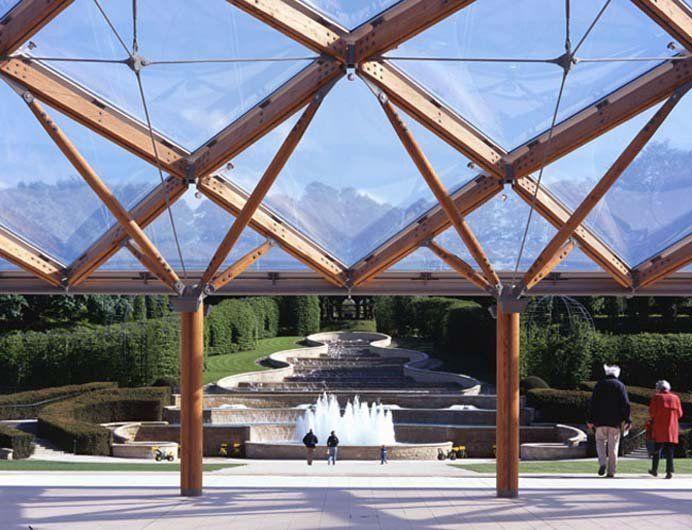 Poduszki z foli ETFE na drewnianej konstrukcji