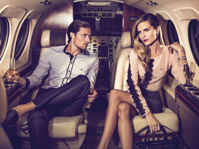 Couple's Private Jet and Champagne - Bestof 30 photos de luxe du mois de Juillet - Luxury Design