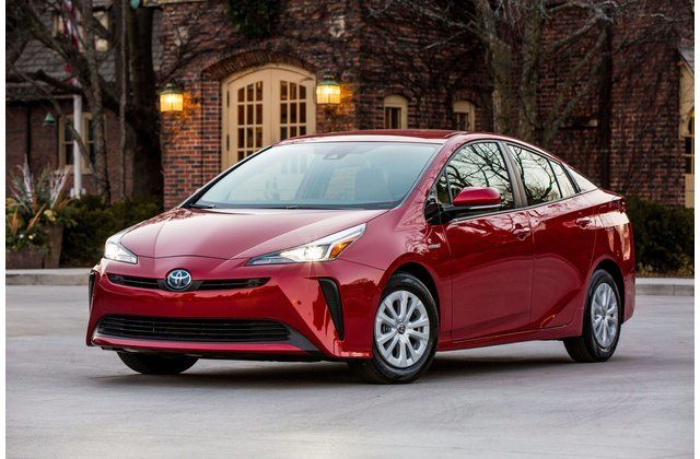 23 Best Hybrid and Electric Cars for the Money