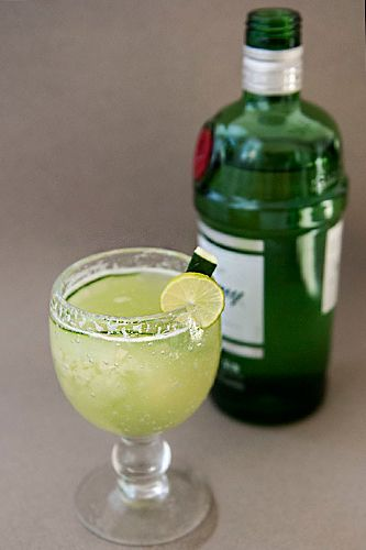 Cucumber Bay Breeze 2-3 cucumbers  Juice from 2-3 limes  Tanqueray or Hendricks gin  Simple syrup  Ginger ale