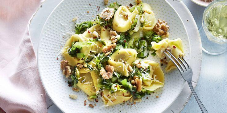 Boodschappen - Tortellini met andijvie en walnoten