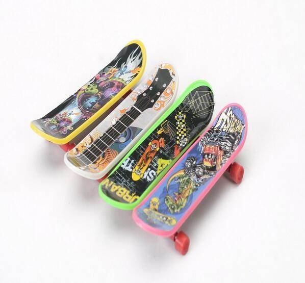 6 шт. мини палец доска скейтборды дети гриф увлекательный игрушки горячей стиль арт-тек скейтборд