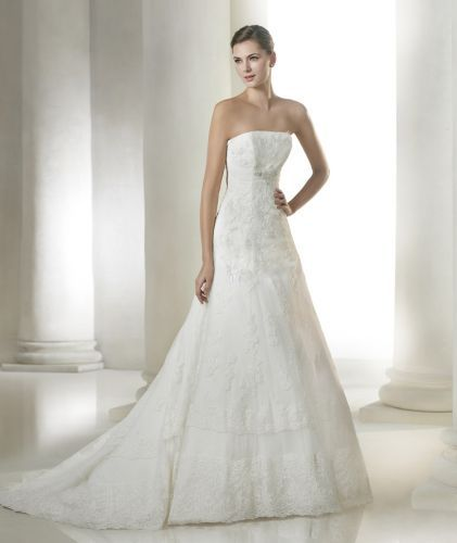 Amazing Amilia wedding dress from the Costura St Patrick collection