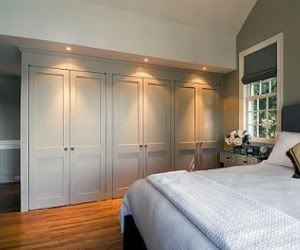 master bedroom without freestanding furniture?