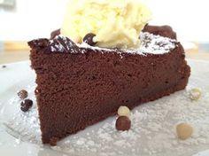 Tarta de chocolate con 3 ingredientes (sin harina)